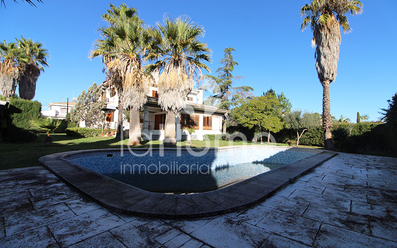 GRAN CHALET CON PISCINA INDEPENDIENTE